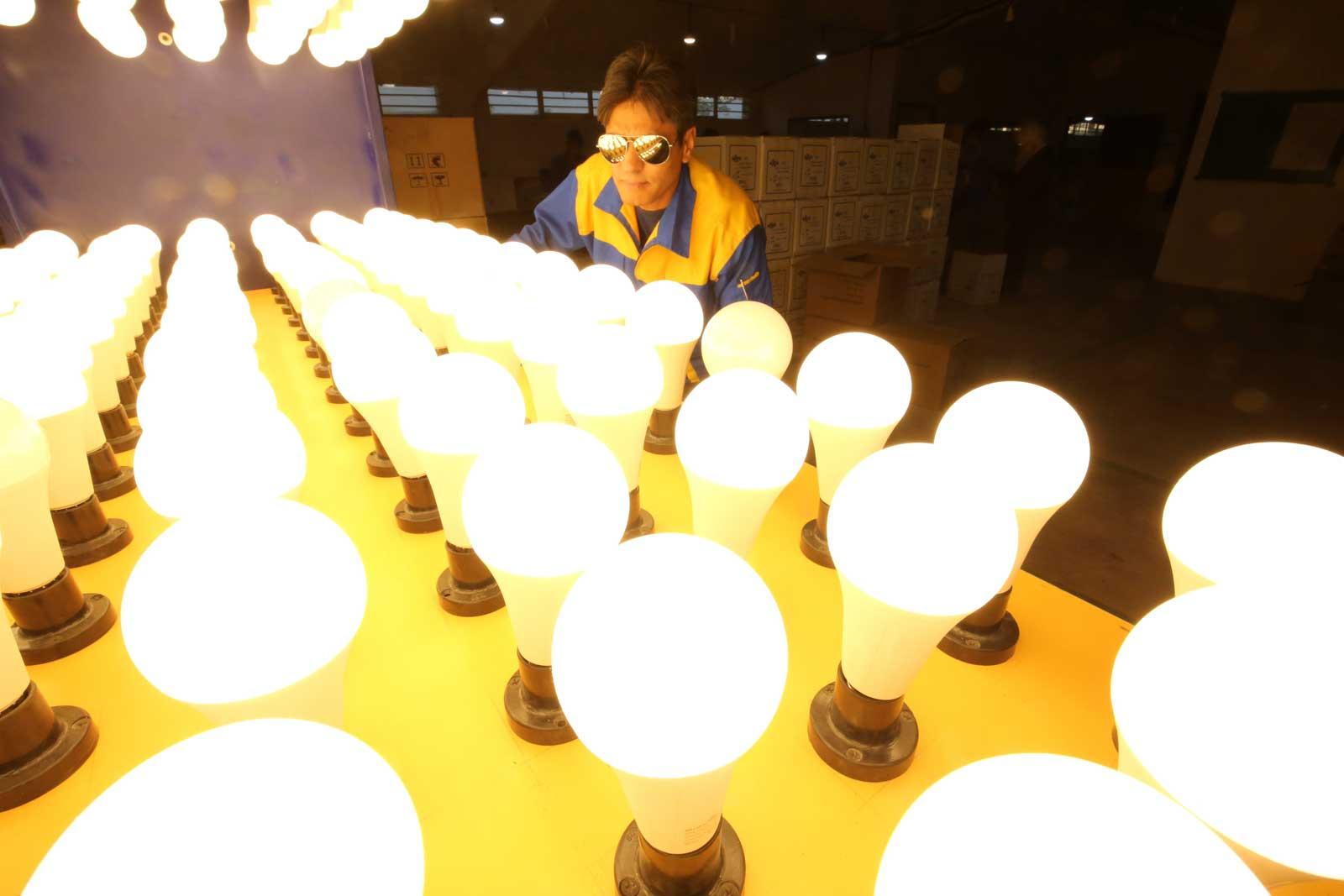 خدمات پس از فروش لامپ میتره